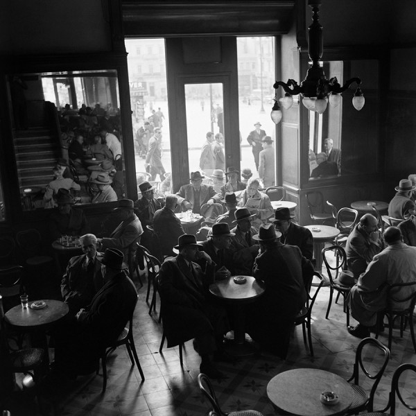 dimitris-harissiadis-zacharatos-cafe-athens-1956